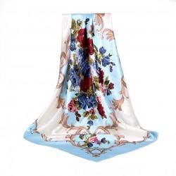 Carré de Soie bleu et blanc motif floral